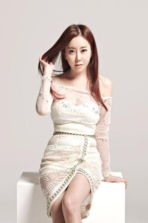 韓国歌手スクヒ(35)が結婚する。スクヒの関係者は15日、「来る31日、5歳年下の一般人と結婚する」と明らかにした。(提供:OSEN)