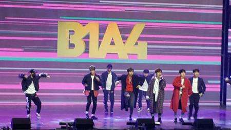 韓国で開かれている平昌(ピョンチャン)パラリンピックを記念し、韓国の人気アイドルたちがコンサートを開いた。(C)WowKorea
