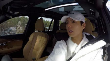 JTBC「ヒョリの民宿2」に、短期アルバイトとして合流した俳優パク・ボゴムが初任務を引き受けた。(提供:OSEN)