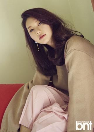 韓国女優キム・ジンギョン(21)がドラマを通して「EXO」KAI(24)と共演した感想を明かした。(提供:OSEN)