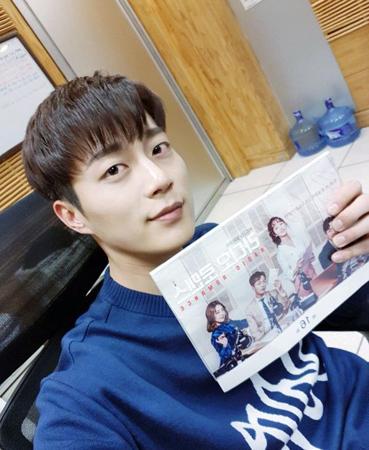 韓国ドラマ「ラジオロマンス」に出演したボーイズグループ「Highlight」のユン・ドゥジュンが放送終了の感想を明かした。(提供:OSEN)