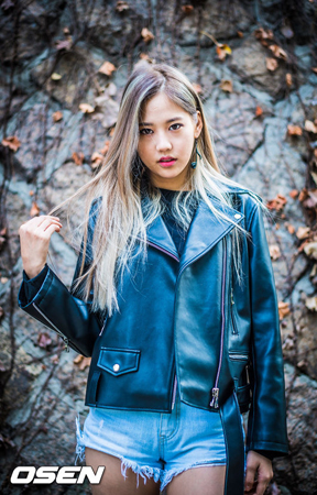 韓国の女性ラッパーユク・チダムが、ボーイズグループ「Wanna One」のカン・ダニエルに関連したSNS騒動後、ブログを通じて立場を明らかにした。(提供:OSEN)