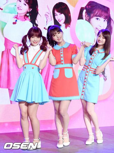 """元「SKE48」のAV女優が話題のグループ、韓国でショーケース開催… """"AV活動""""を問題視する声も"""