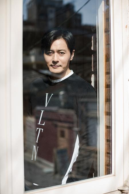 俳優チャン・ドンゴンが語る育児とは 「友だちのような父親はNO、厳しい教育も必要」(提供:news1)