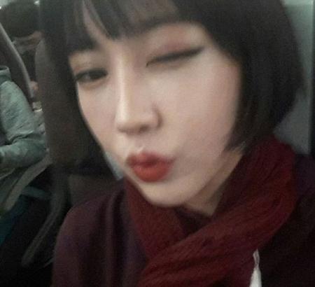 カン・ダニエル(21、Wanna One)側と舌戦中の女性ラッパー、ユク・ジダム(21)が追加で心境を明かし、関心を集めている。(提供:OSEN)