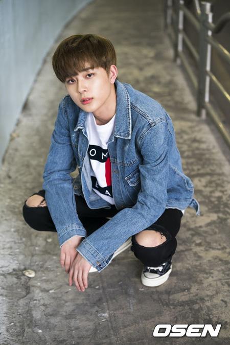 Mnet「プロデュース101(PRODUCE 101)」シーズン2出身のユ・ソンホが4月にソロデビューすることがわかった。(提供:OSEN)