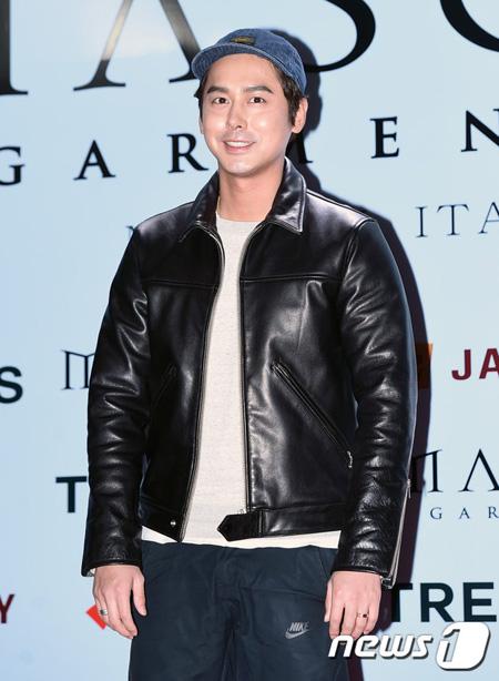 韓国グループ「Click-B」のキム・サンヒョク(34)が熱愛中であることがわかった。(提供:news1)