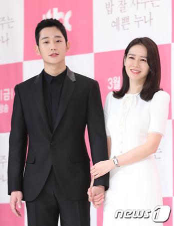 韓国俳優チョン・ヘイン(29)が女優ソン・イェジン(36)とラブストーリードラマに初挑戦する心境を語った。
