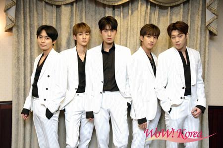 「KNK」左から、オ・ヒジュン、キム・ジフン、パク・スンジュン、チョン・インソン、キム・ユジン