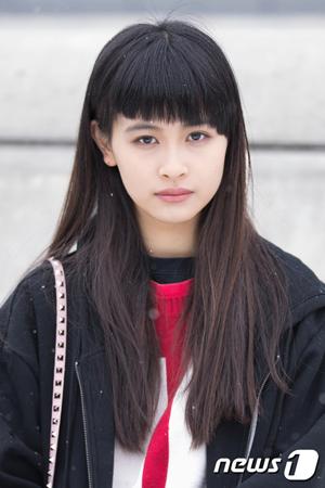 日本のモデル・高橋らら、ソウルファッションウィークで韓国デビュー「IUの歌を好んで聴いている」