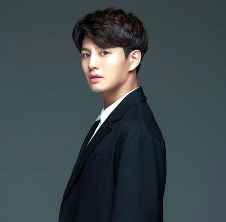 韓国映画「昆池岩(コンジアム)」で主人公として出演した俳優イ・スンウクが、この作品を最後にこれ以上の演技活動をしないという意志を伝えていたことが分かった。(提供:OSEN)