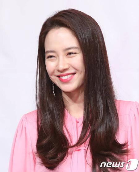 女優ソン・ジヒョ、映画「レイジング・ブル」で俳優マ・ドンソクの妻役を検討中