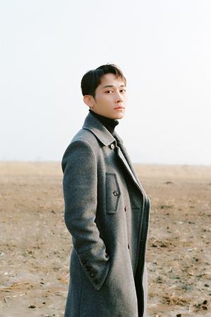 「U-KISS」の元メンバーAJがアイドルからソロアーティストとしてソロデビューを果たしたSIYOON(シユン)。