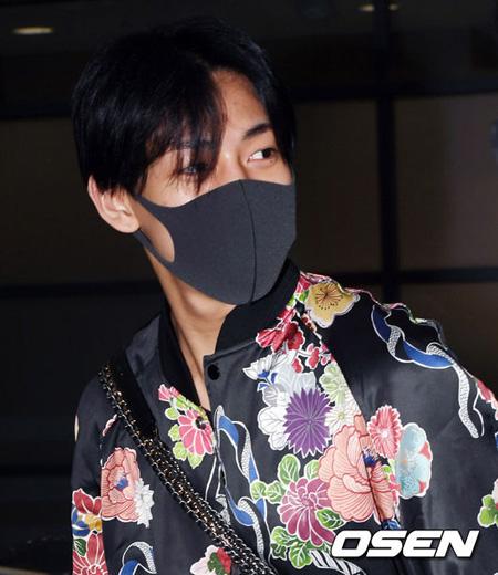 タイの軍から軍免除を受けたJYPのアイドルグループ「GOT7」BamBamが10日午前、2泊3日の短いタイ訪問を終えて韓国へ戻ってきた。(提供:OSEN)