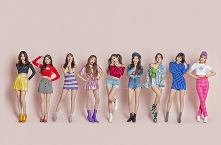 韓国ガールズグループ「TWICE」の5thミニアルバムのタイトル曲「What is Love? 」のMVが公開24時間で再生回数1257万回を突破し、自己新記録を作った。(提供:OSEN)
