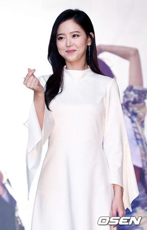 韓国芸能事務所ファンタジオが、女優カン・ハンナ(29)の独自の活動について語った。(提供:OSEN)