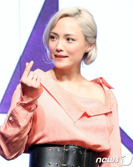 """映画「アベンジャーズ3」出演のポム・クレメンティーフが訪韓、""""母親は韓国人"""""""