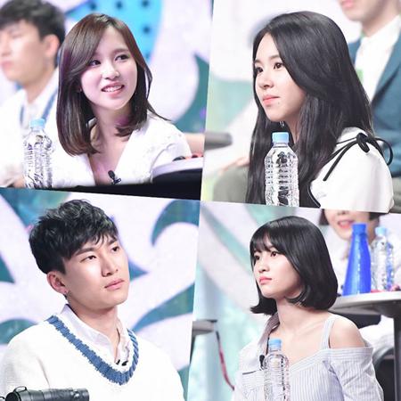 韓国ガールズグループ「TWICE」モモ(21)、ミナ(21)、チェヨン(18)、ソ・ジソク(36)、「BTOB」ウングァン(27)が芸能人判定団として「覆面歌王」を訪れた。(提供:OSEN)