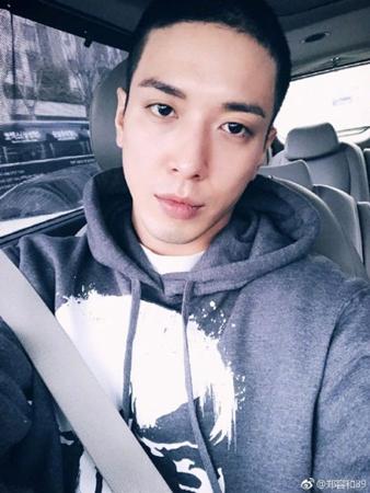 韓国バンド「CNBLUE」ジョン・ヨンファ(28)が、基礎軍事訓練を終えて自隊配置された。(提供:OSEN)