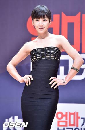 【公式】歌手イ・ボン、韓国版「花ざかりの君たちへ」などの撮影監督と熱愛説…事務所側「事実無根」