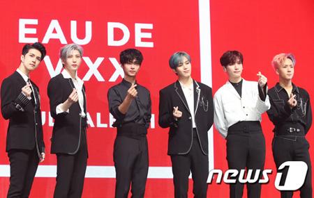 韓国ボーイズグループ「VIXX」のラビとエンが、アルバムへの自作曲収録の難しさについて語った。(提供:news1)