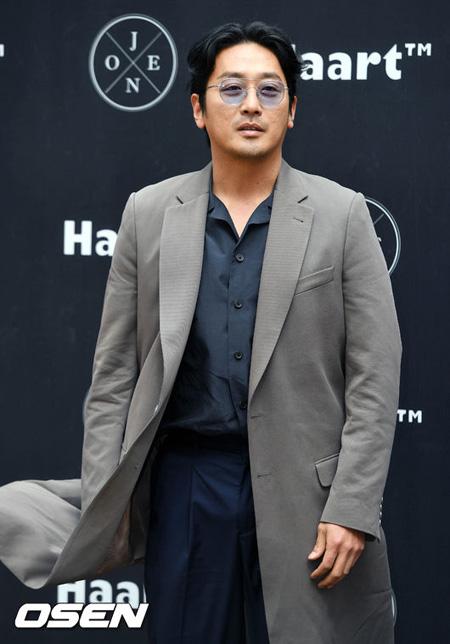 俳優ハ・ジョンウ、映画「白頭山」出演を検討中