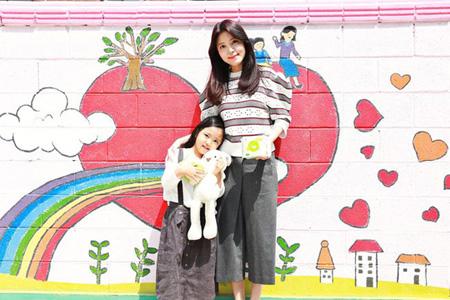 女優チョン・シア、娘のバースデーに合わせ寄付 「同じママの気持ち、うれしく意味深い」