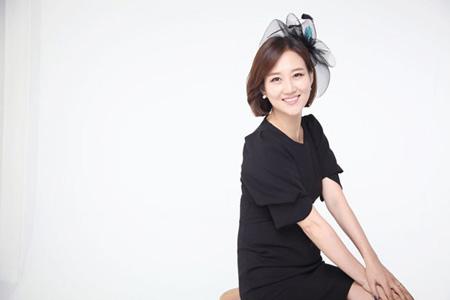歌手チャン・ユンジョン、ソウル・盆唐「老人たちの憩いの家」へマッサージチェアを寄付(提供:OSEN)