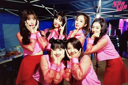 韓国6人組ガールズグループ「SHA SHA」が新軍統領(軍将兵らに人気が高いガールズグループのこと)として注目されている。(提供:OSEN)