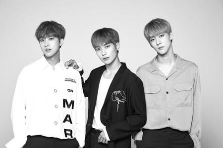 韓国ボーイズグループ「KNK」のボーカルライン(ジフン、インソン、ヒジュン)が、デジタルシングル「一点差」を電撃発売する。(提供:OSEN)