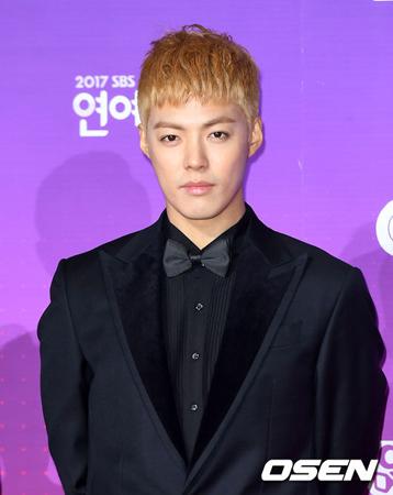 韓国で活動中の歌手KangNam(31)が追突事故に遭い、病院に搬送された。(提供:OSEN)