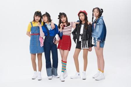 """""""キッズグループ""""「HI CUTIE」、新曲「中2病」公開…海外からもラブコール(提供:OSEN)"""