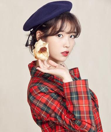 韓国歌手IU(アイユー)が、子どもの日(日本と同じ5月5日)を前に、育児放棄された子どもを支援するために、さらに1億ウォン(約1000万円)を寄付した。(提供:OSEN)