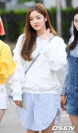 韓国ガールズグループ「DIA」メンバーのウンジンが、直筆の手紙でグループ脱退を明らかにした。(提供:OSEN)
