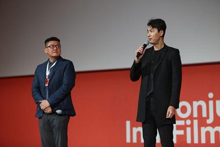 「JIFF」出席の俳優チョン・ウソン、映画「鋼鉄の雨」は「現在の朝鮮半島情勢と重なる部分がある」(提供:OSEN)
