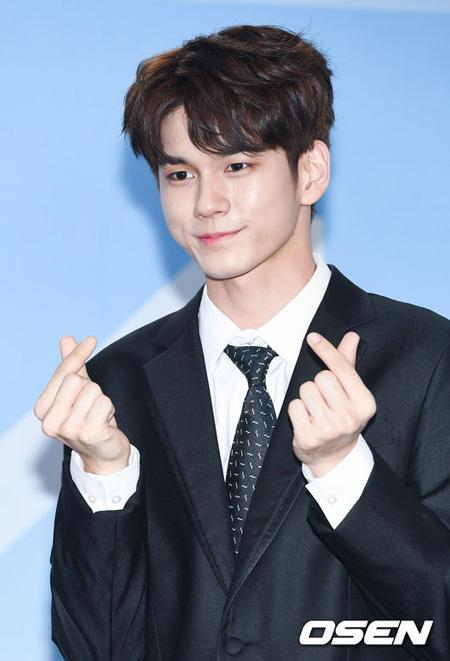 父母の日(オボイナル、5月8日)に両親に太っ腹なプレゼントをしそうなスターにアイドルグループ「Wanna One」のオン・ソンウが1位に選定された。(提供:OSEN)
