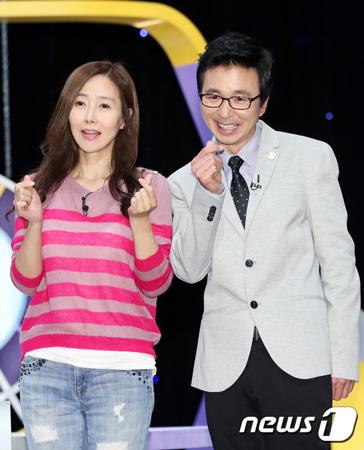韓国お笑い芸人のキム・グクチン(53)と歌手スージー・カン(50)が、今月23日に結婚する。(提供:news1)