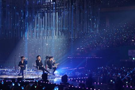 「GOT7」、ワールドツアースタートを告げるソウル公演で感謝の涙…「ファンにとって誇らしいグループになる」(提供:OSEN)