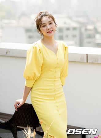 韓国ガールズグループ「FIESTAR」のJei、Linzy、Yezi、HyemiがFAVEエンターテインメントとの専属契約が満了したことで事実上の解散となり、Cao Luが心境をSNSで告白した。(提供:OSEN)