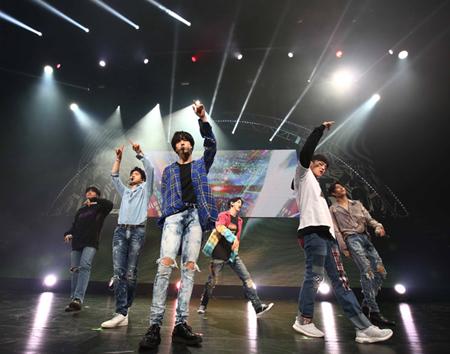 「GOT7」、日本全国ホールツアーが福岡でスタート! 新曲「THE New Era」初披露(オフィシャル)