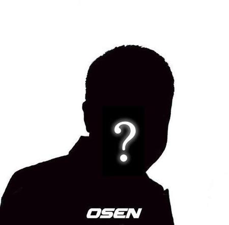 韓国有名音楽番組のMCで俳優のAが、性的嫌がらせをした容疑で立件されたことが伝えられた。(提供:OSEN)