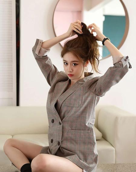 韓国ガールズグループ「T-ARA」出身のジヨン(本名:パク・ジヨン)が中国の有名エンターテインメント事務所「Longzhen」と専属契約を結んだ。(提供:news1)