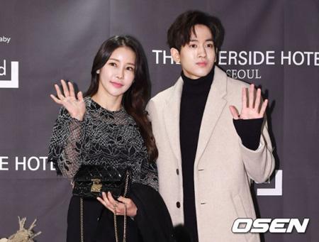 韓国歌手ミナ(45)とリュ・フィリップ(28)が7月7日に結婚式を挙げることがわかった。(提供:OSEN)