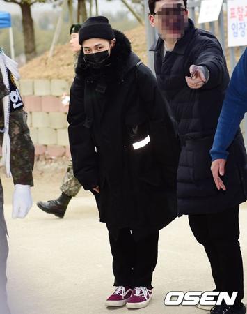 軍服務中の韓国ボーイズグループ「BIGBANG」メンバーのG-DRAGONが、右足首の手術を受けた。(提供:OSEN)