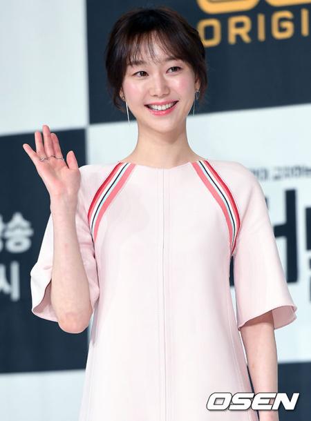 女優イ・ユヨン、新SBSドラマ「親愛なる判事さまへ」で女性主人公に抜てき=ユン・シユンと共演へ