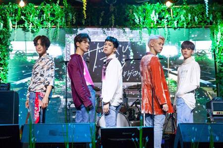 "「N.Flying」、iTunes K-POPチャート2か国で1位 ""バンドの熱い底力""(提供:OSEN)"
