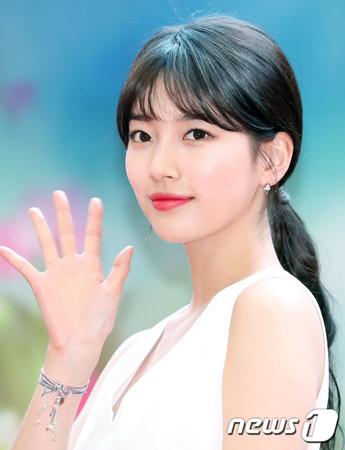 韓国歌手兼女優スジ(23)が、ソウル市に所在するスタジオ「ワンピクチャー」に謝罪の意を伝えた。(提供:news1)