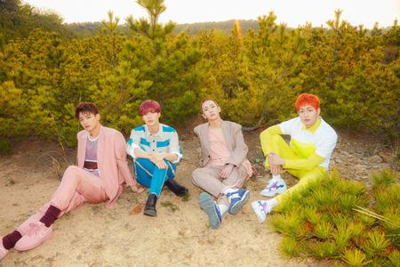 韓国アイドルグループ「SHINee」の6thアルバム「The Story of Light」EP.1収録曲「All Day All Night」のスポイラー音源が公開され話題だ。(提供:news1)