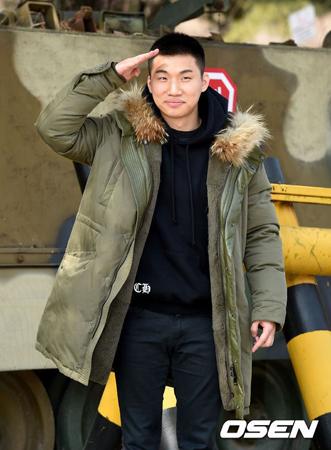 軍服務中の「BIGBANG」D-LITE(29)が最近、病院で入院治療を受けた。