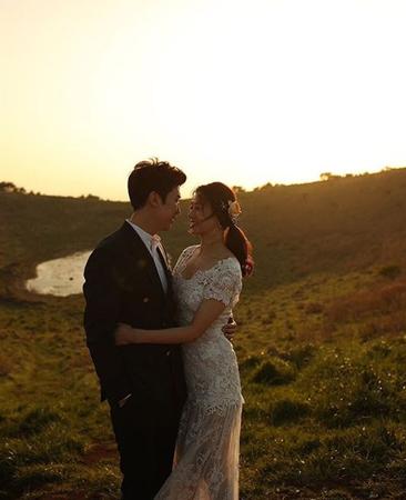 韓国俳優カン・ギョンジュン(35)と女優チャン・シニョン(34)が、晴れて夫婦となった。(提供:OSEN)